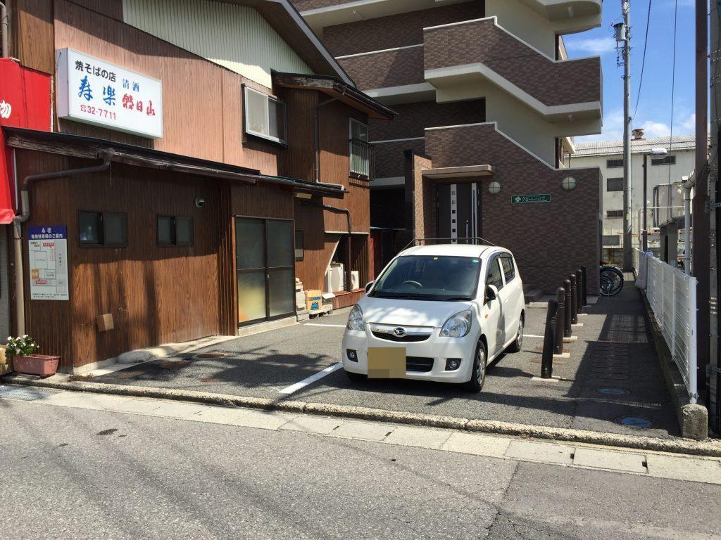あんかけ焼きそば 寿楽 駐車場